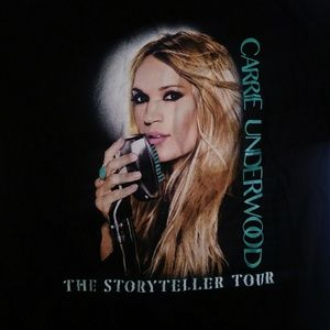 Carrie Underwood storyteller tour size small
